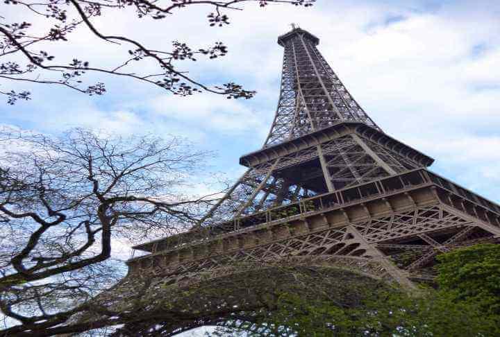 パリのおすすめ定番観光スポット10選!【ルーブル美術館~サクレクール寺院】