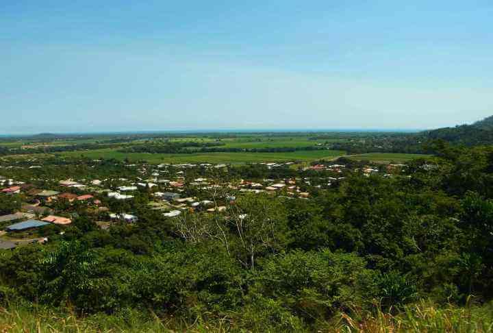 オーストラリア・ケアンズ・キュランダ村で熱帯雨林に触れる旅