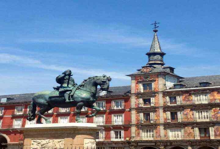スペインおすすめ定番観光ツアー!!【コンスェグラ、サクラダファミリア、地中海】