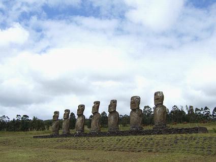 イースター島観光でモアイと対面!チリから3800km、タヒチへ
