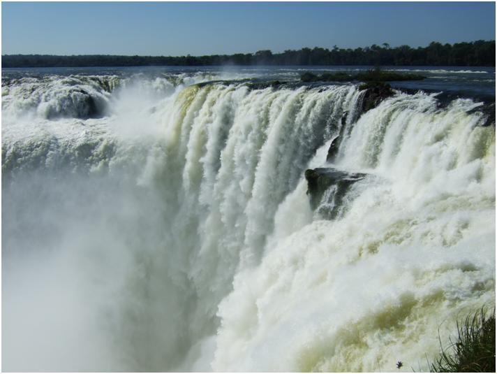 イグアスの滝の旅~ブラジル側からもアルゼンチン側からも絶対見てね!