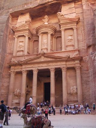 ペトラ遺跡を見に行こう!ヨルダンの文化遺産!新・世界の七不思議!