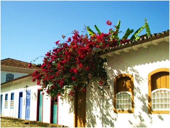 ブラジル・パラチーはポルトガル植民地時代の建物が保存される港町