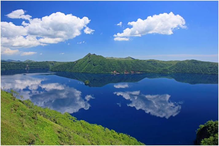 摩周湖は世界トップクラスの透明度のカルデラ湖【北海道の秘境】