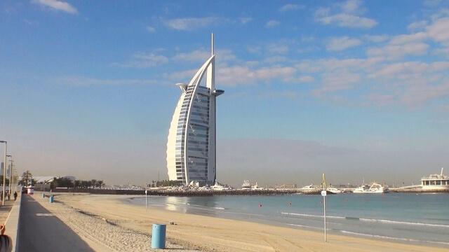ブルジュ・アル・アラブに泊まろう♪ドバイのシンボル7つ星ホテル!!