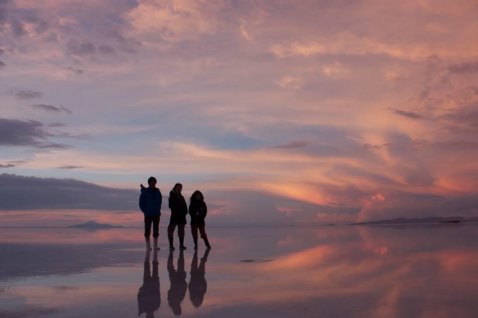 ボリビアのウユニ塩湖 天空の鏡はまさに神の創造物!!