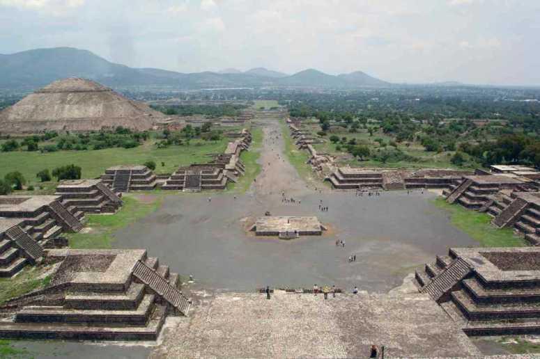 メキシコ最大の宗教都市 テオティワカン
