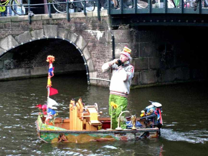 アムステルダム~歴史的情緒と現代都市の活気を求めて~