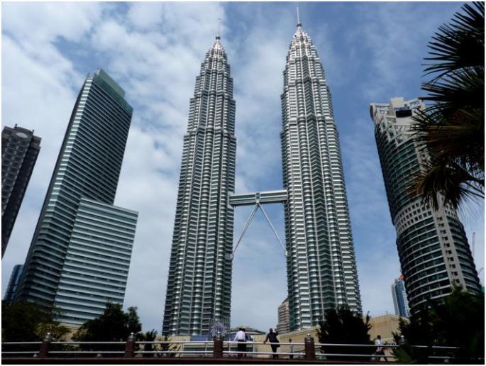 ペトロナス・ツインタワーで、近代化するマレーシアを実感