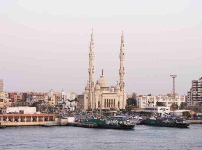 エジプトのスエズ運河はヨーロッパ・アジア・アフリカを結ぶ!