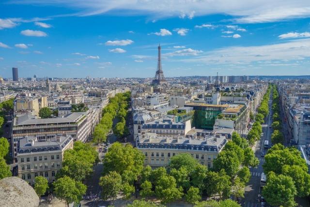エッフェル塔とパリ市街