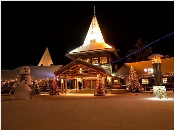 サンタクロース村は、北極線上フィンランドにあるアミューズメントパーク