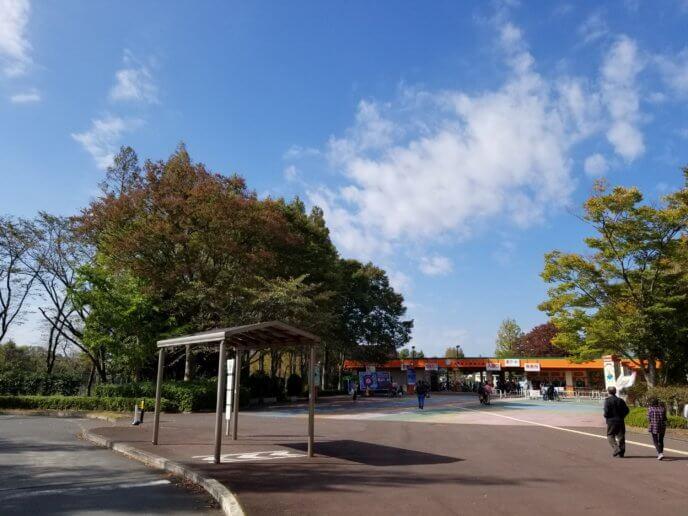 東武動物公園東ゲートのバス停の写真