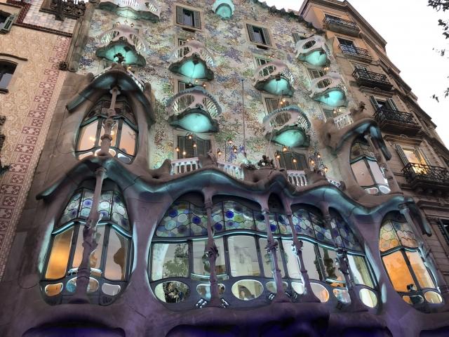 スペインの観光名所 カサバトリョ(Casa Batllo)への行き方