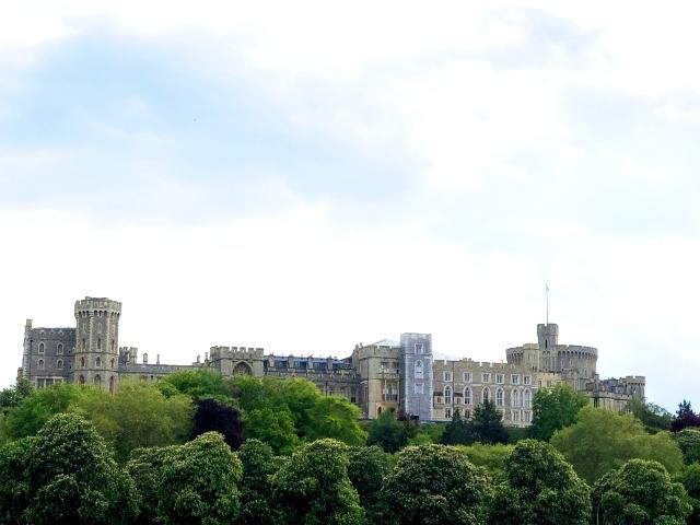 イギリスの大人気観光スポット「ウィンザー城」全体
