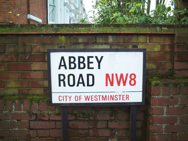 ロンドン・アビーロードはどこにある? 街の場所と行き方