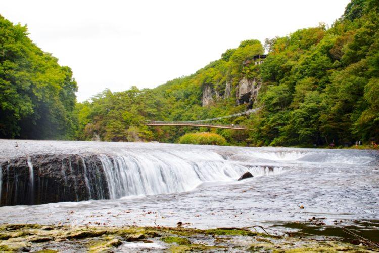 「吹割の滝」まるでナイアガラの滝、群馬を代表する観光地