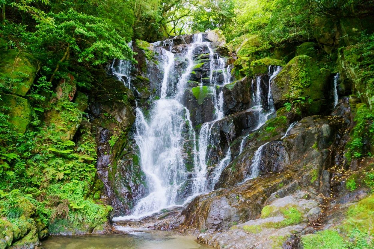 白糸の滝(糸島市)福岡を代表する美しい自然の中の名勝