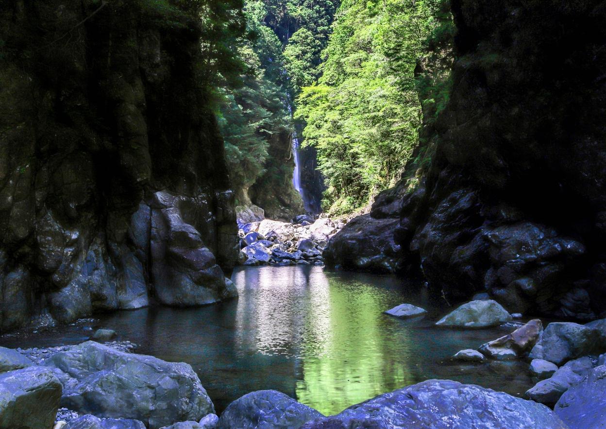 大杉谷の滝を楽しむ シン淵